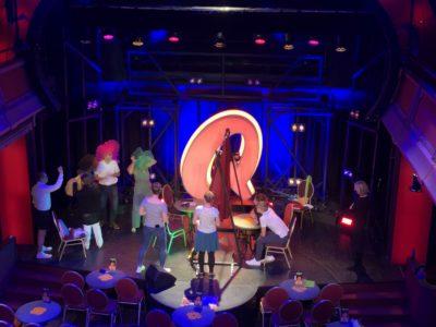 Teamspiel Nicht-Lachen beim Comedy Circle