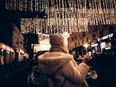 Winterlicher Lichterglanz in der Stadt