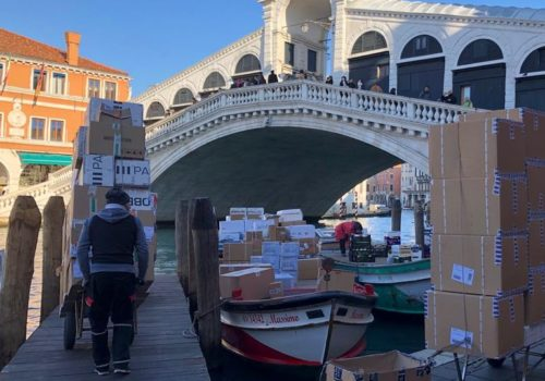 San Polo Rialtobruecke in Venedig